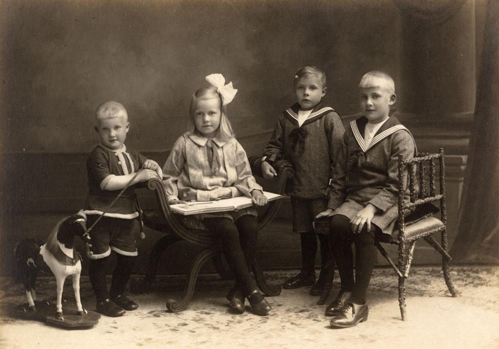 Albrecht, Anskje, Gerben en Reimer Rientses Wartena